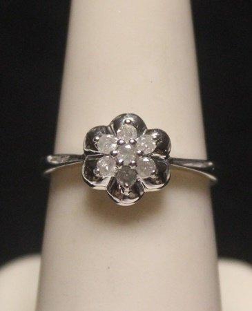 Fancy 14 kt Gold Diamond Ring