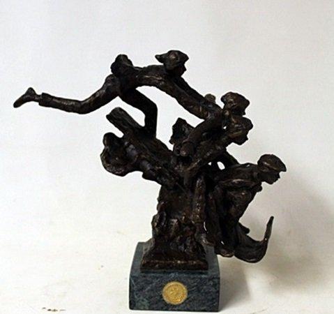 """Bronze Sculpture """" Toboggarest """" By Dennis Smith."""