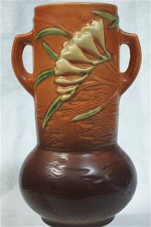 Roseville Pottery - Freesia #126 10in, 1945
