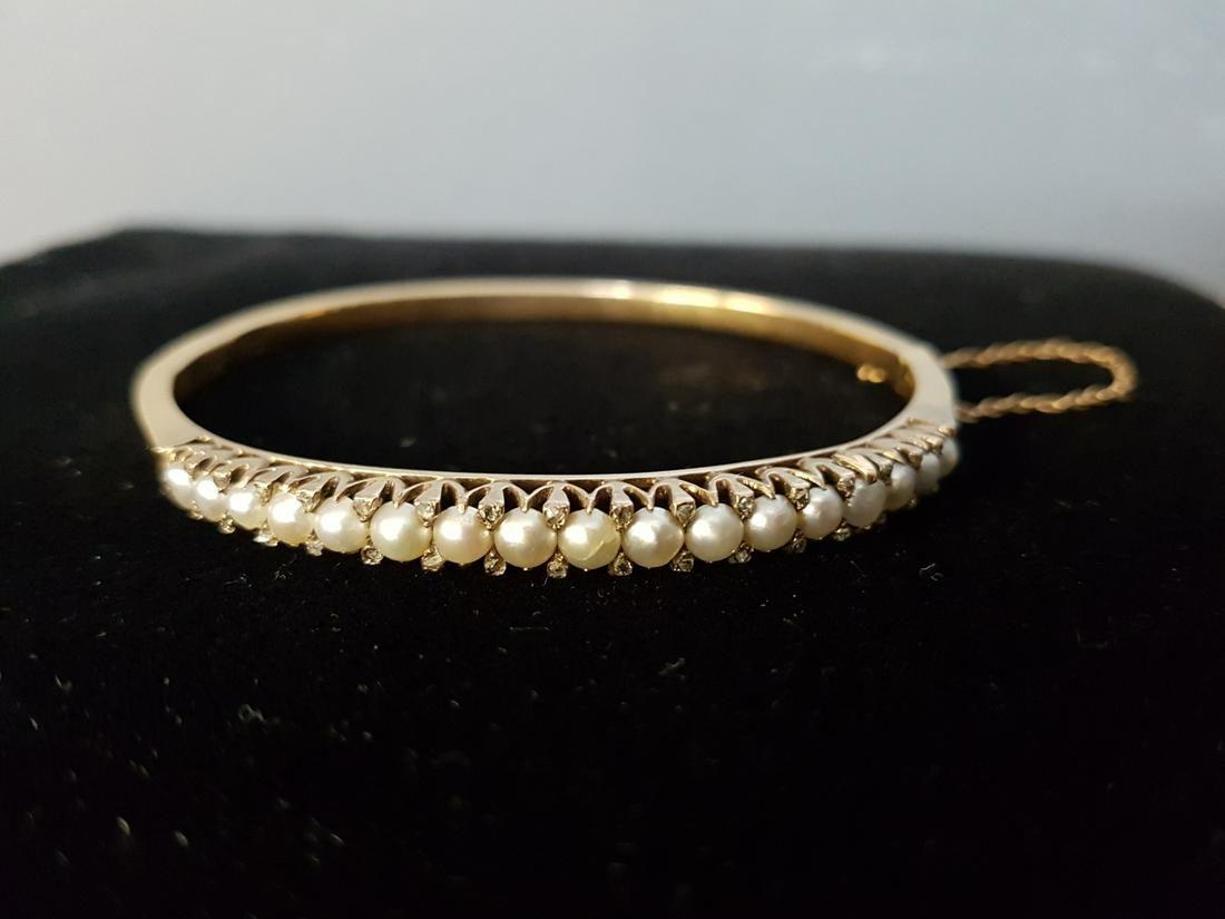 14 K Gold, Diamonds and Pearls Bracelet
