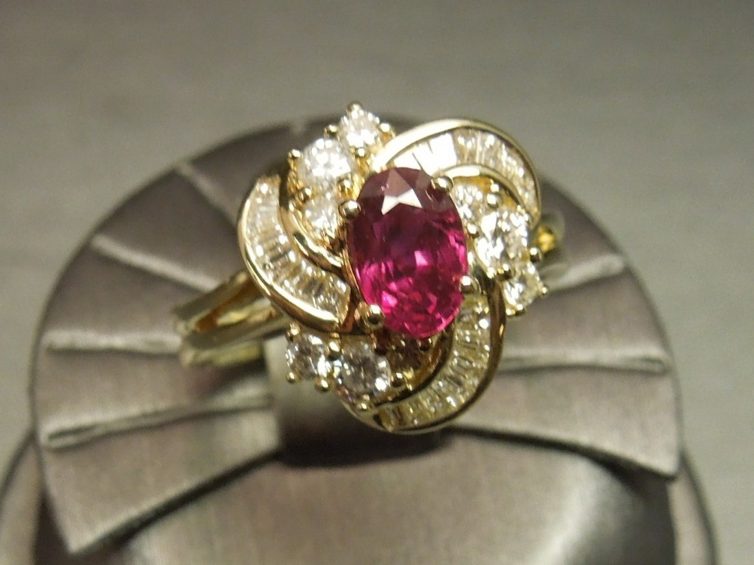 C 1980 14KT Gold 3ct Ruby & Diamond Cocktail Ring