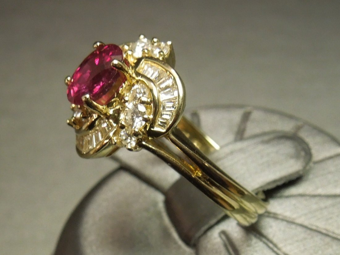 C 1980 14KT Gold 3ct Ruby & Diamond Cocktail Ring - 2