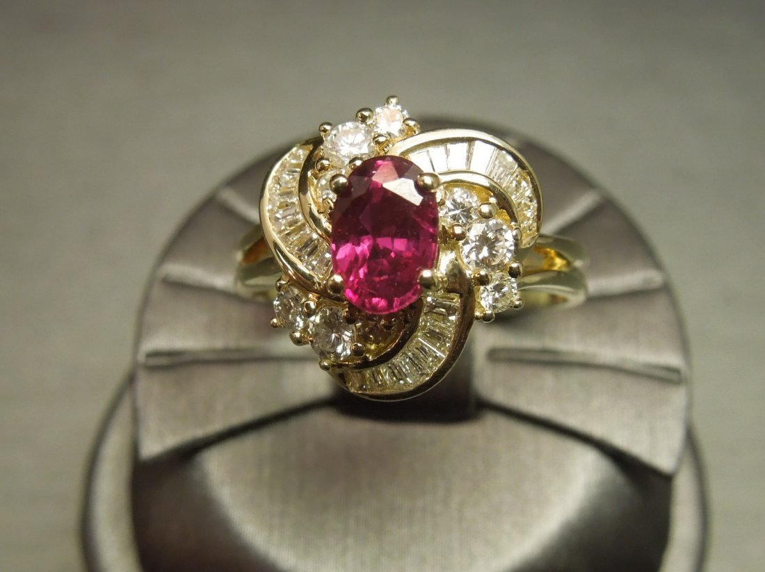 C 1980 14KT Gold 3ct Ruby & Diamond Cocktail Ring - 4