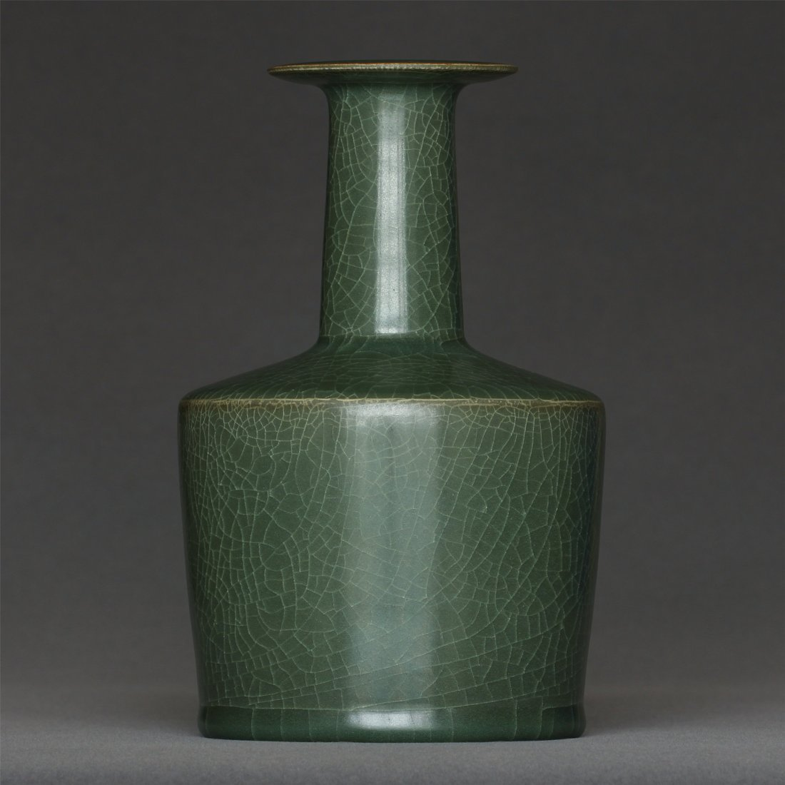 A LongQuan-Kiln Vase Southern Song Dynasty. - 4