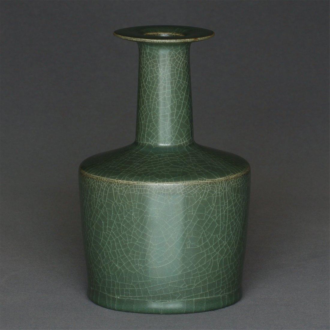 A LongQuan-Kiln Vase Southern Song Dynasty. - 5
