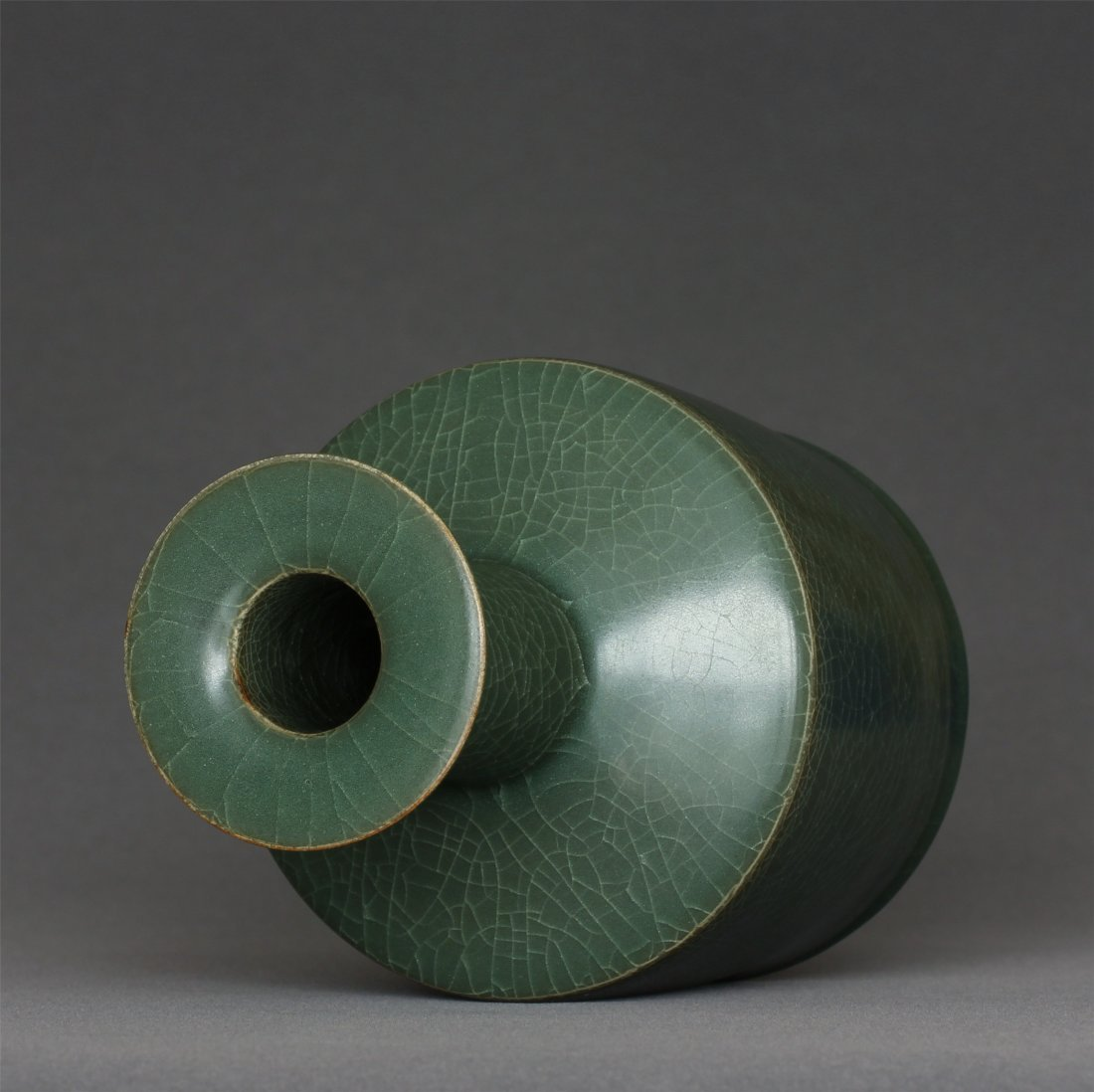 A LongQuan-Kiln Vase Southern Song Dynasty. - 9