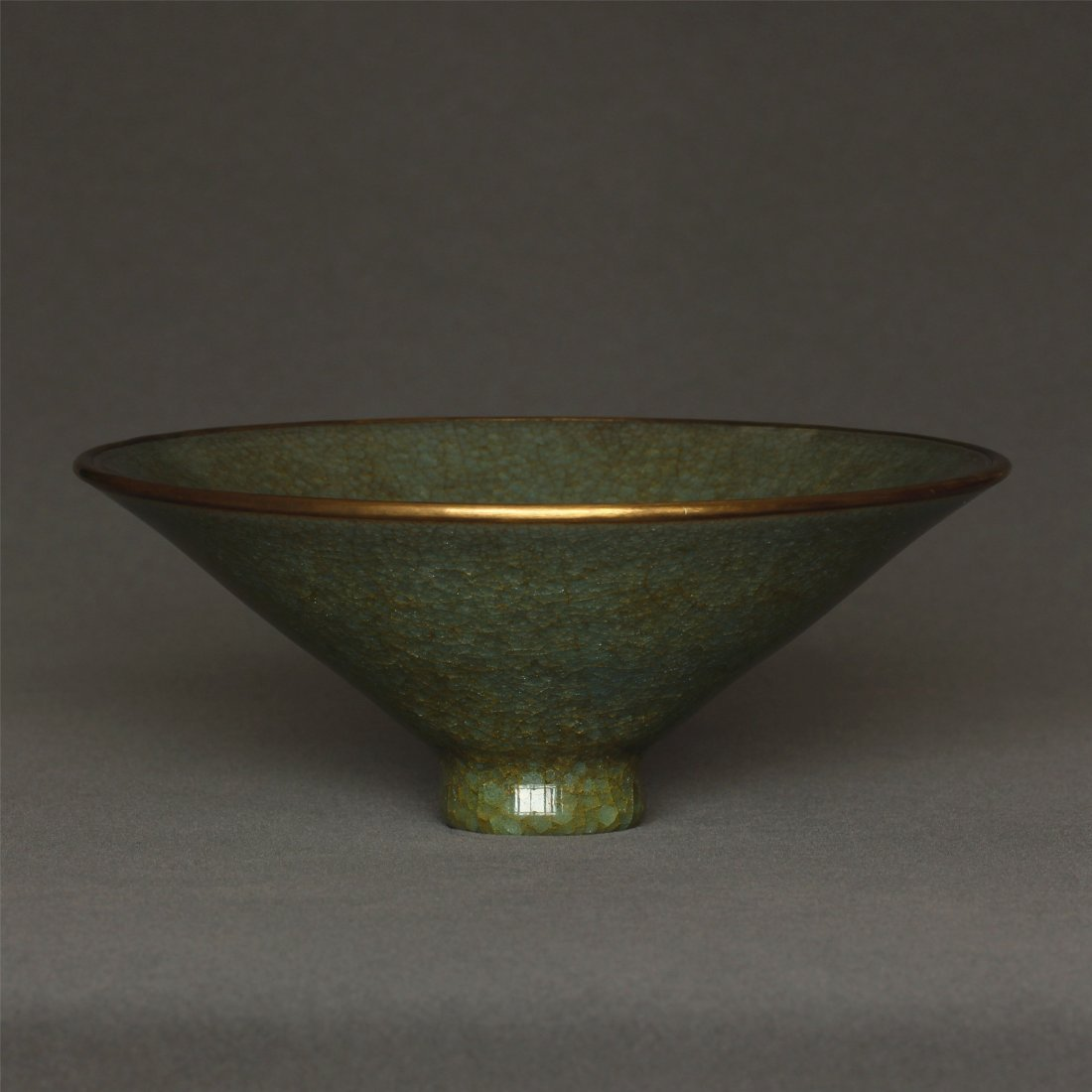A LongQuan-Kiln Bowl Southern Song Dynasty. - 5