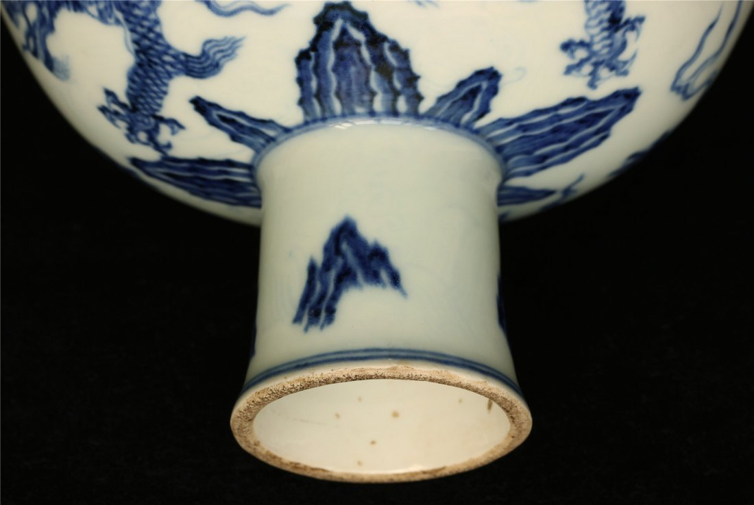 Blue and white porcelain chalice of Ming Dynasty XuanDe - 8