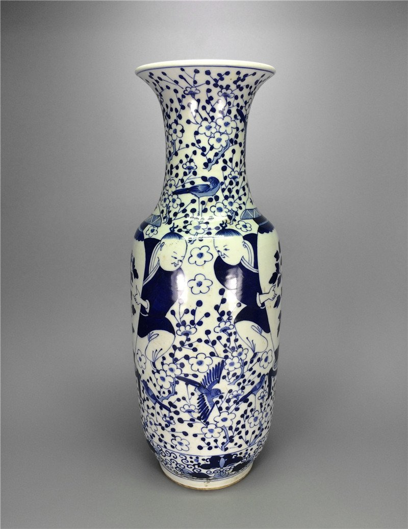 Chinese antique blue and white porcelain Large vase. Me