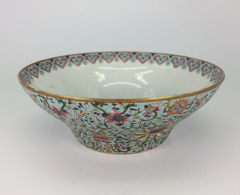 Chinese exquisite enamel porcelain bowl of Qing Dynasty
