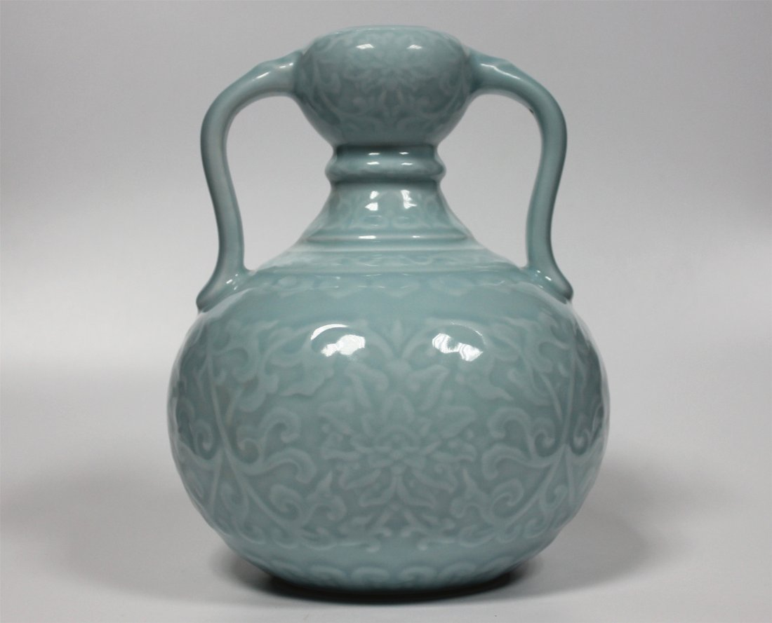 Chinese blue glaze carving porcelain vase of Qing Dynas