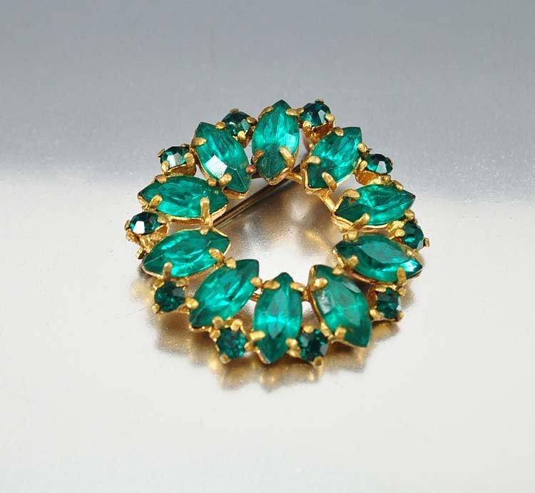 Brilliant emerald green foil backed rhinestones form a  - 2