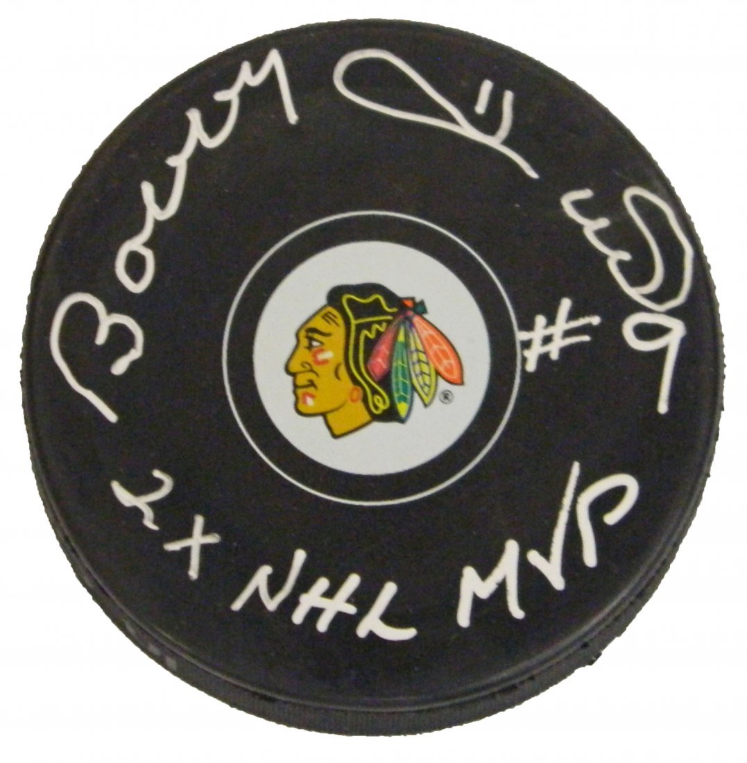 Bobby Hull signed Chicago Blackhawks logo hockey puck w