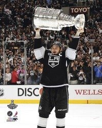 Dustin Brown Los Angeles Kings NHL 8x10 Photograph Hold