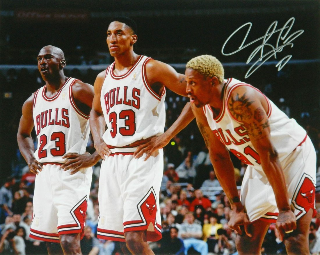 Dennis Rodman signed Chicago Bulls standing with Michae