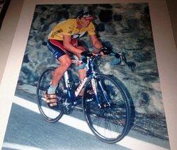 Lance Armstrong Tour De France 16x20 Photograph
