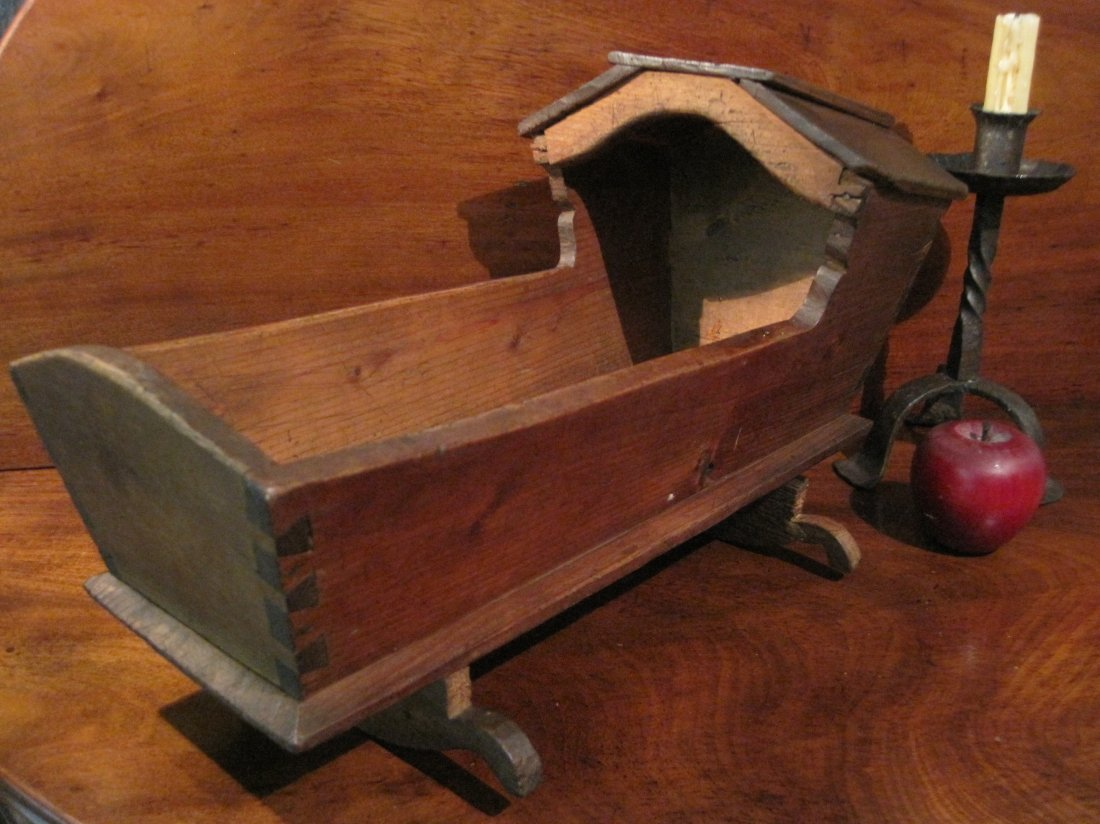 Dovetailed Hooded Doll Baby Rocking Cradle Ca 1700s - 10