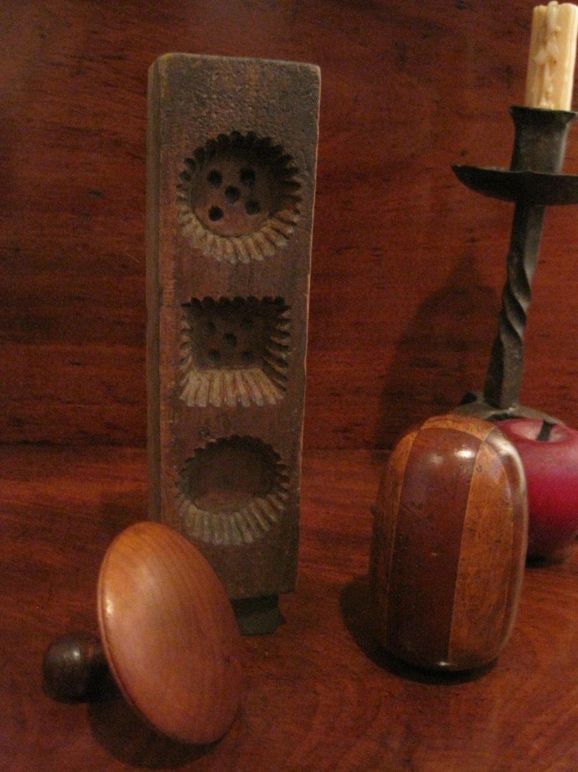 Shaker Beeswax Sewing Thread Mold & Sock Darners 1800s