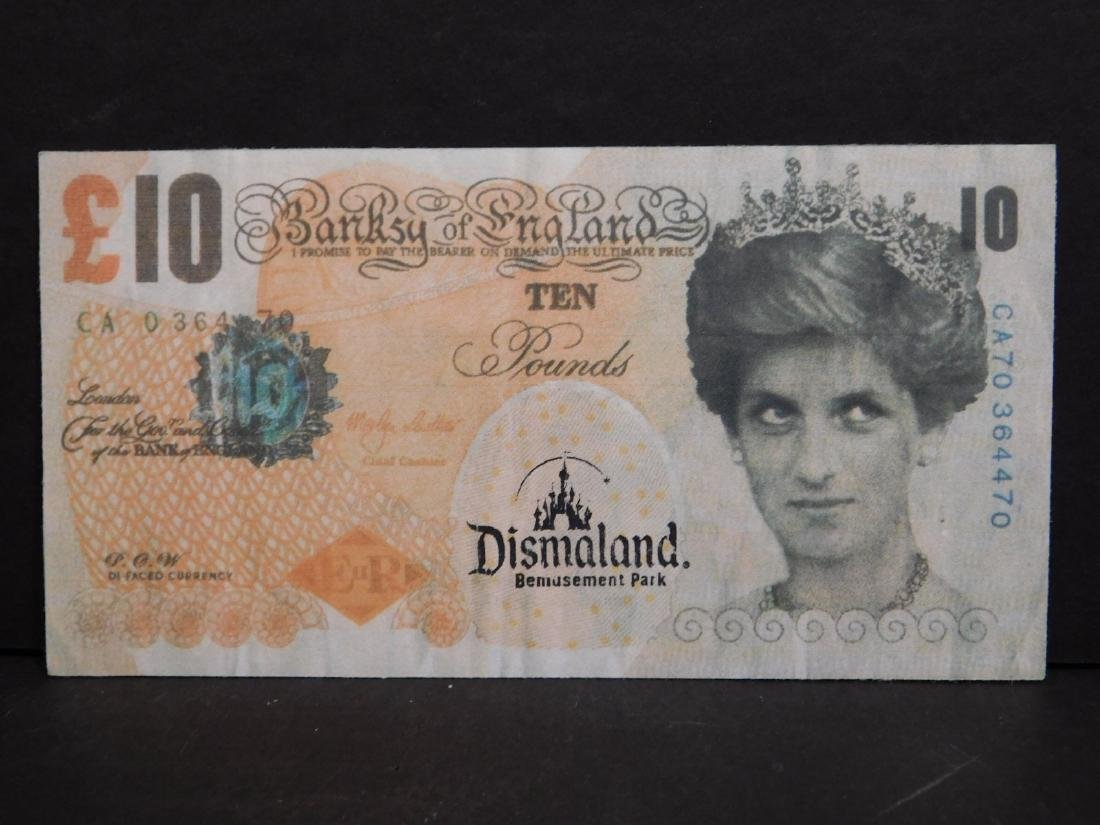 Banksy: Di-Faced Tenners (Ten Pound Notes). - 2