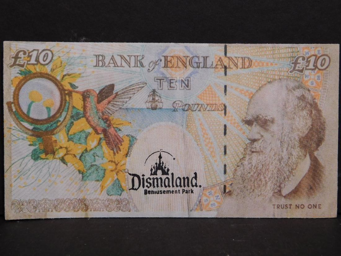 Banksy: Di-Faced Tenners (Ten Pound Notes). - 3