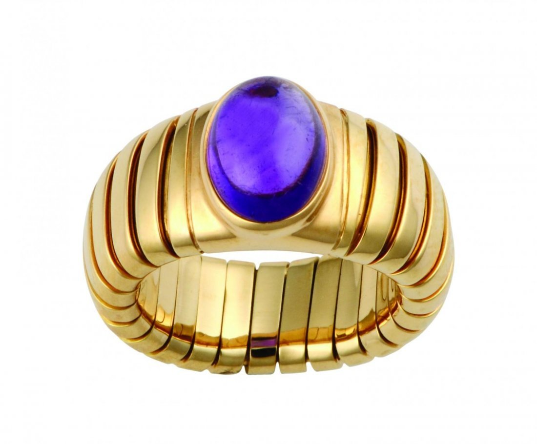Amethyst cabochon 18k gold ring by Bulgari