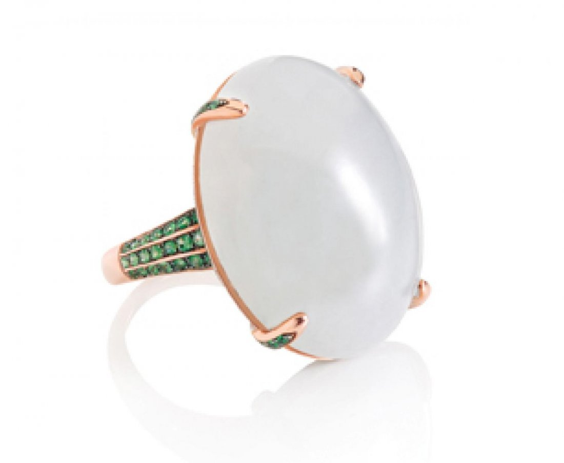 ICY WHITE JADEITE CABOCHON AND EMERALD RING, 天