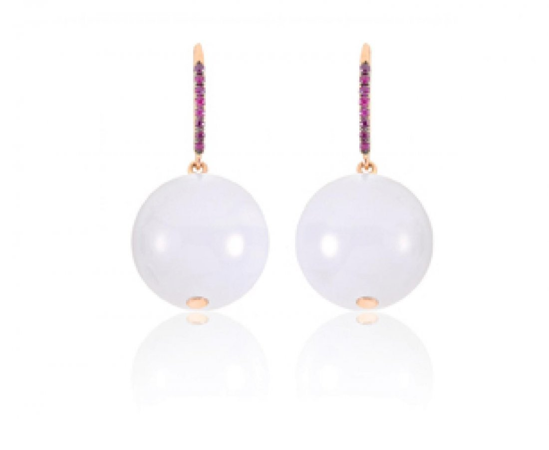 A PAIR OF PEARL WHITE JADEITE AND RUBY EARRINGS,