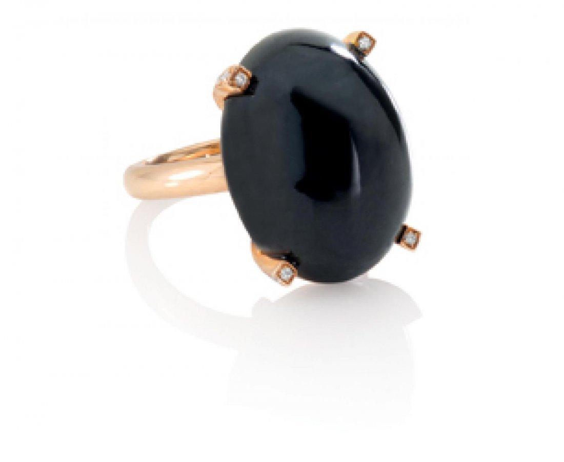 A BLACK NEPHRITE JADE DIAMOND RING, 天然