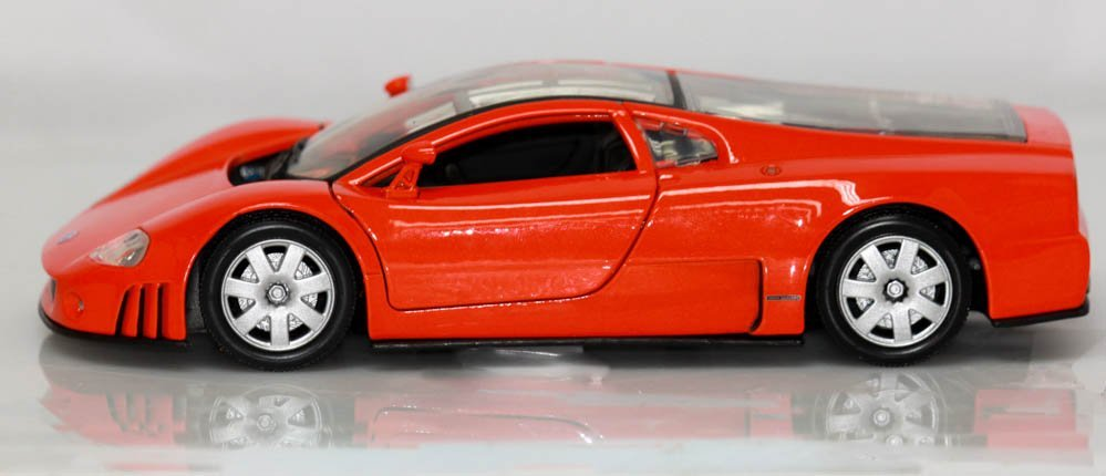 COLLECTIBLE DIE CAST 01' VW NARDO W12 BLACK MODEL CAR - 3