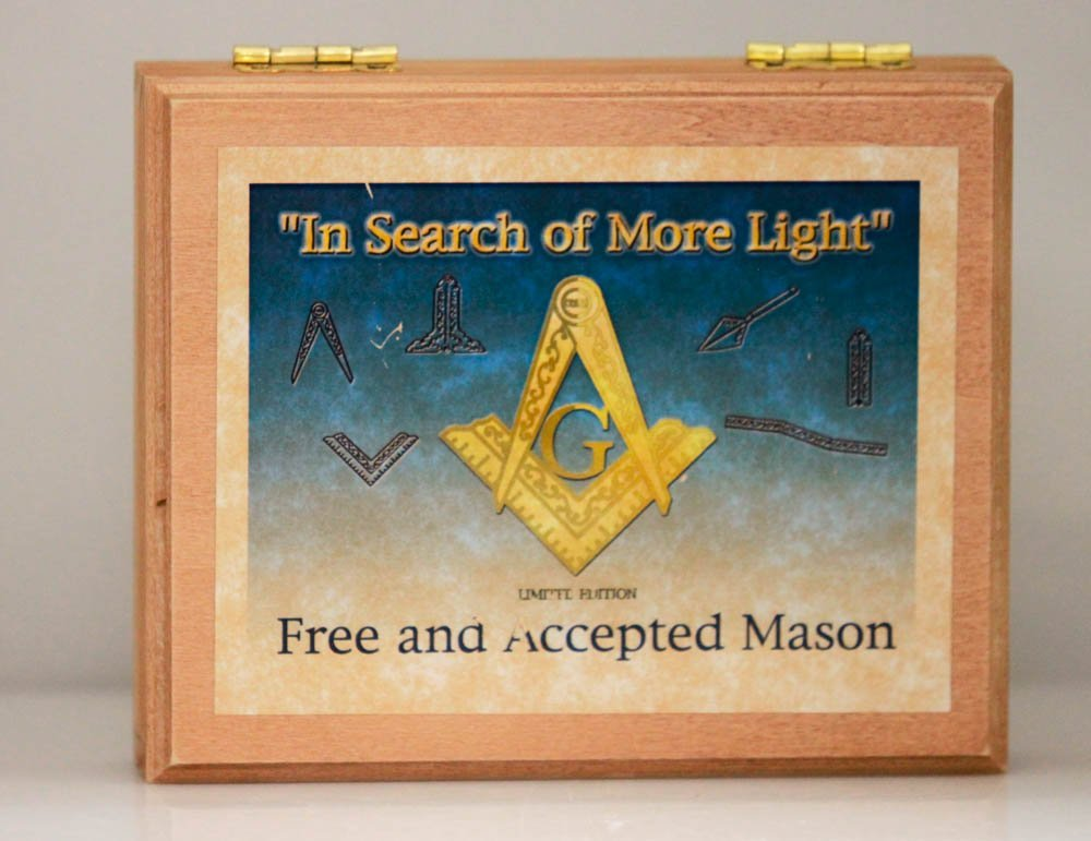 LIMITED EDITION FREE AND ACCEPTED MASON POCKET KNIFE