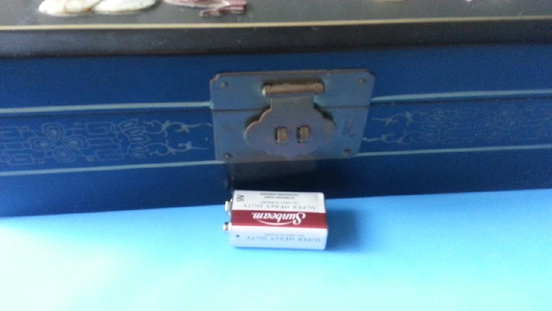 antique Lacquer Box - 2