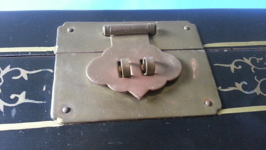 antique Lacquer Box - 9