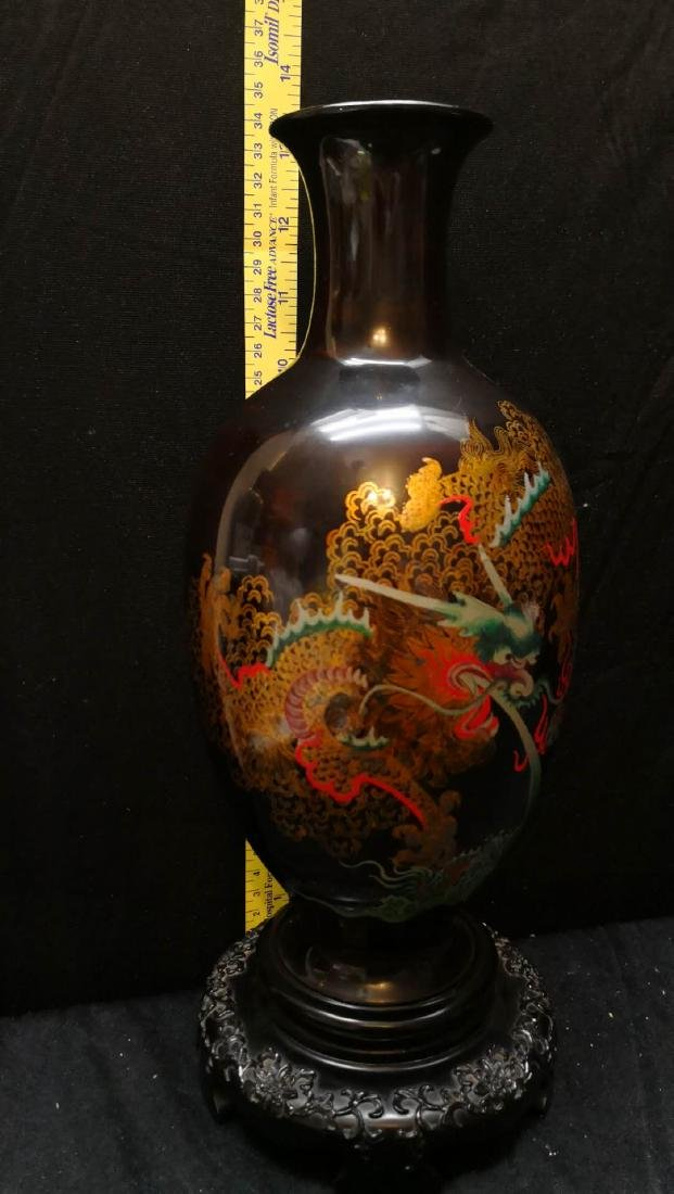 Bodiless lacquer vase