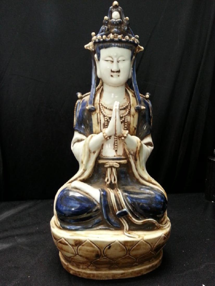 ?Due Buddha In Porcelain