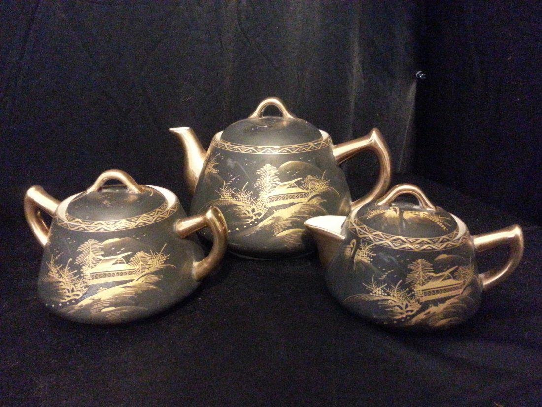 3 Japanese Imari porcelain covered