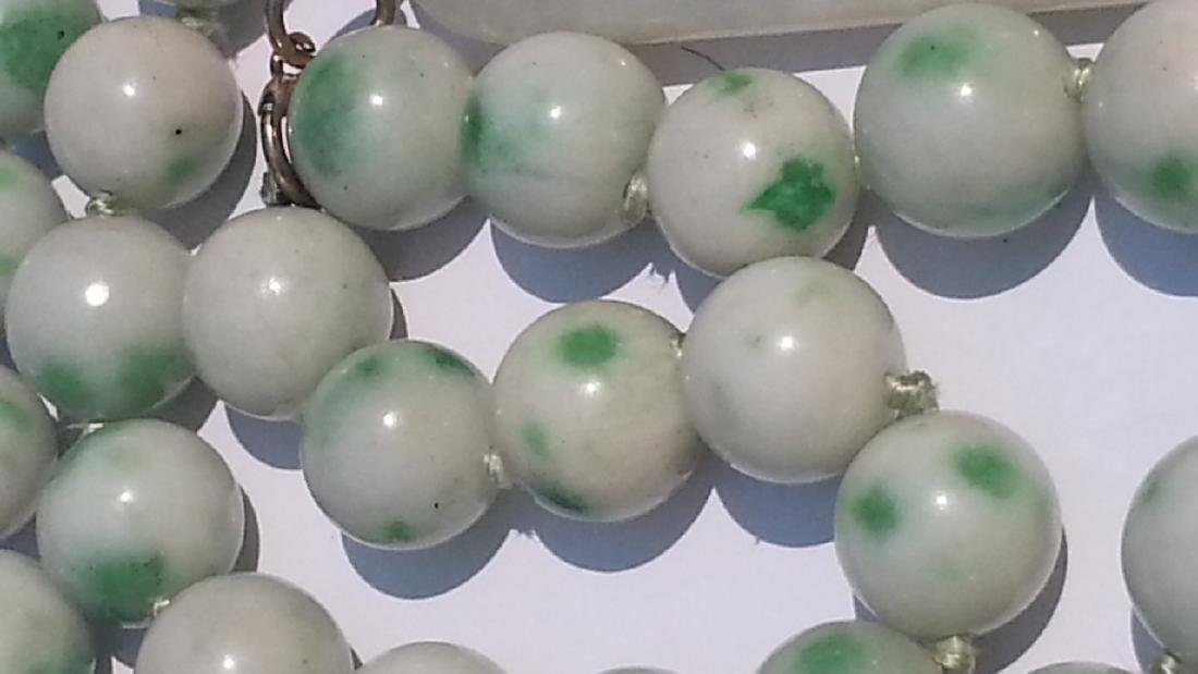 ANTIQUE CHINESE NATURAL JADE NECKLACE - 2