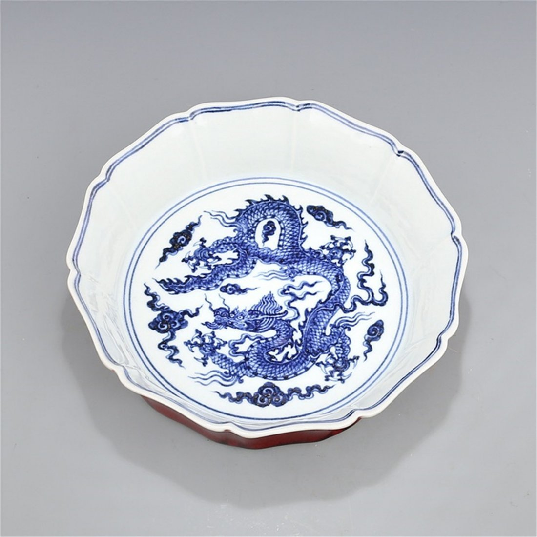 Ming Xuande Blue and white glaze red Xianglong wear - 6
