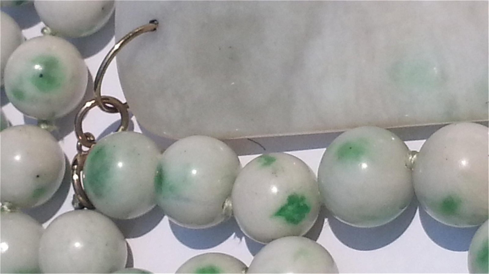 ANTIQUE CHINESE NATURAL JADE NECKLACE