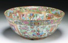 A Big Chinese Antique Qianlong Rose Medallion Porcelain