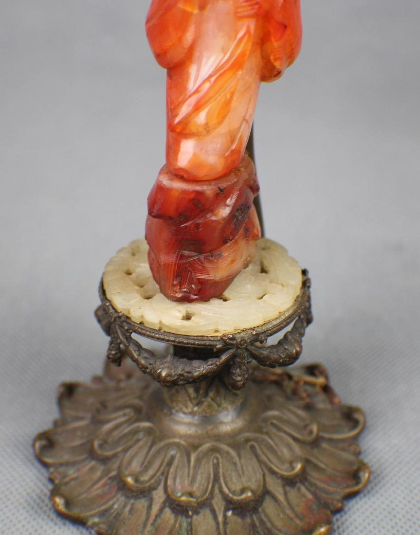 A Red Agate Officer lamp fromn Qing Dynasty - 2