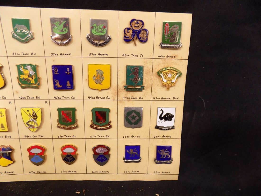 (36) United States Military Pins 33rd Tank Co. 40th Arm - 3