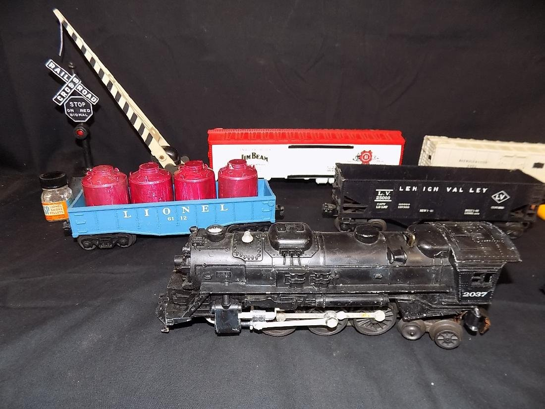 Vintage Lionel Train Set Engine 2037 w/6026w Tender, - 2