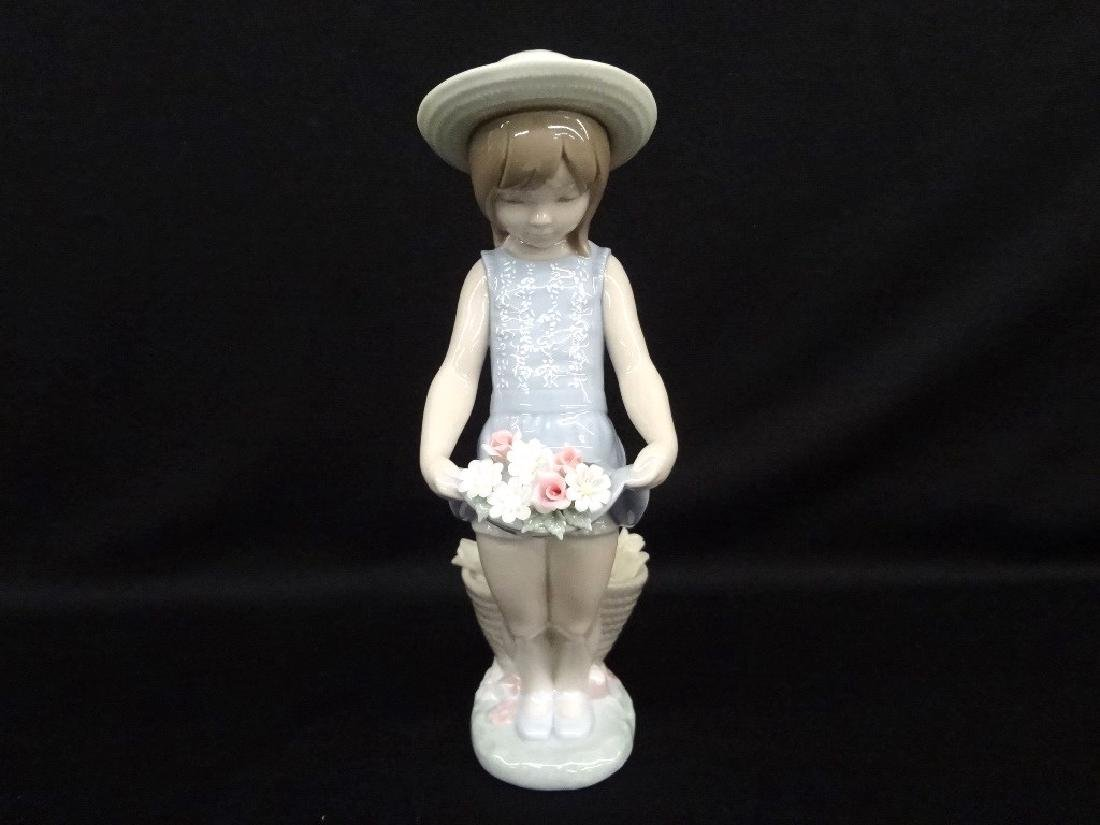 "Lladro Figurine ""Flowers on the Lap"" in Original Box"