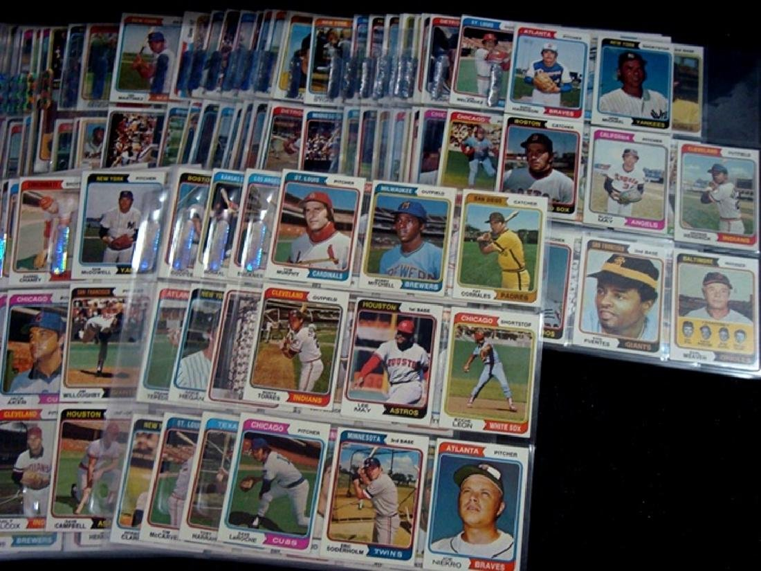 1974 Topps Baseball Card Complete Set, (660 Cards) - 4