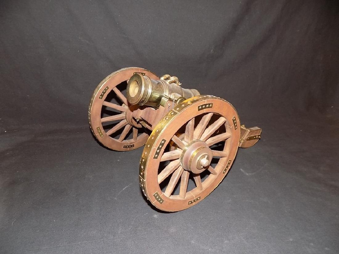 1/8 Scale Model Cannon British Howitzer Captured by