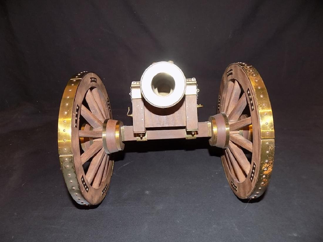 1/8 Scale Model Cannon British Howitzer Captured by - 2