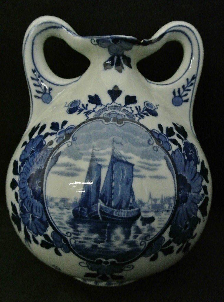 614: Delft 515 Double Handle Vase