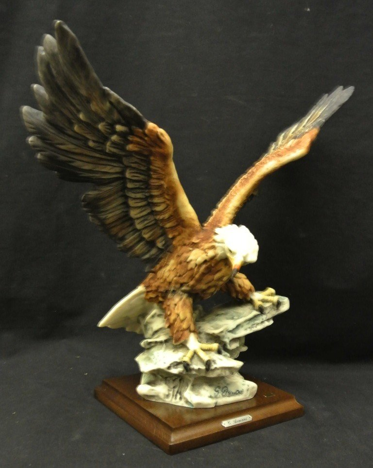 743: Giuseppe Armani 1984 Eagle on Rock Figurine