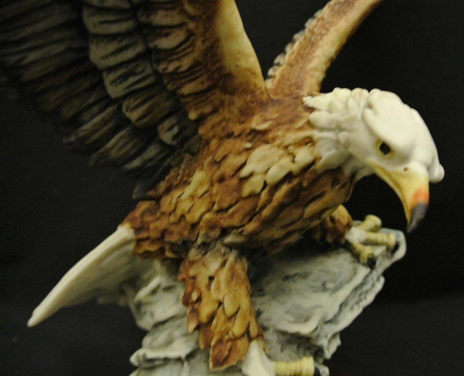 743: Giuseppe Armani 1984 Eagle on Rock Figurine - 2
