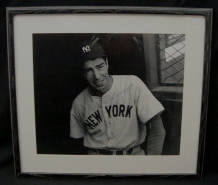129: Joe DiMaggio Autographed B&W Photo, JSA LOA